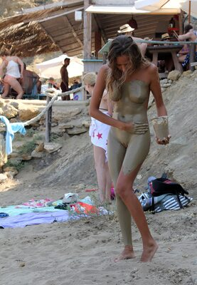 Bild markiert mit: Blonde, Beach, Katya Clover - Mango A, Muddy at the beach