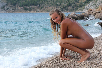 Bild markiert mit: Blonde, Katya Clover - Mango A, The Naturist, X-Art, Beach, Cute, Sexy Wallpaper, Smiling, Tanned