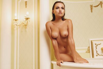 Bild markiert mit: Brunette, Nicole Young - Nicole Ross - Nika Kolosova, Bath, Boobs