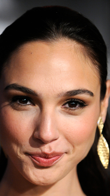 Bild markiert mit: Brunette, Celebrity - Star, Face, Gal Gadot, Safe for work