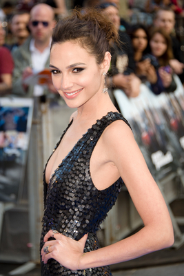 Bild markiert mit: Brunette, Celebrity - Star, Gal Gadot, Safe for work