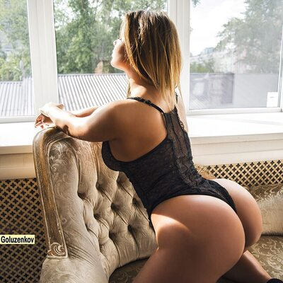 Bild markiert mit: Anastasia Kvitko - Анастасия Квитко, Blonde, Busty, Ass - Butt, Celebrity - Star, Lingerie