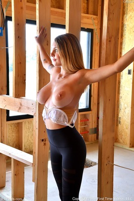 Bild markiert mit: FTV Girls, Busty, Blonde, Boobs, Gabbie Carter