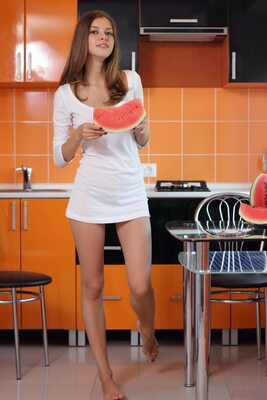 Bild markiert mit: Skinny, Amour Angels, Brunette, Ksenia, Watermelon Joy, Cute, Safe for work
