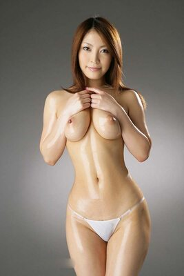Bild markiert mit: Skinny, Asian, Boobs, Oiled