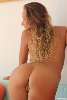 Bild markiert mit: Skinny, Blonde, Katya Clover - Mango A, Ruddy Pie, Showy Beauty, Ass - Butt