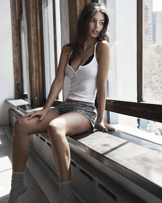 Bild markiert mit: Skinny, Brunette, Emily Ratajkowski, Celebrity - Star, Cute, Safe for work