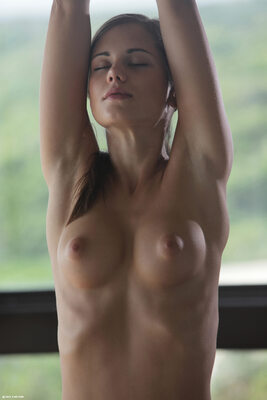 Bild markiert mit: Skinny, Brunette, Little Caprice, Sexy Yoga Cutie, X-Art, Boobs, Cute, Small Tits